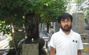 奈良原至先生の墓を参拝し、清掃。